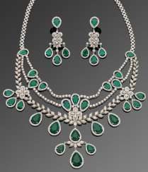 Glamorous jewels-Parure with emerald and diamonds
