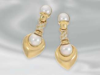 Earrings: attractive yellow gold earrings with Mabéperlen and brilliant-cut diamonds, approximately 0.7 ct, 18K Gold
