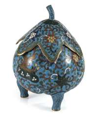 Three-legged Cloisonné lidded box with leaf shaped lid