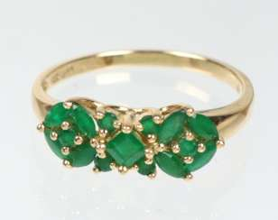 Emerald ring - yellow gold 585