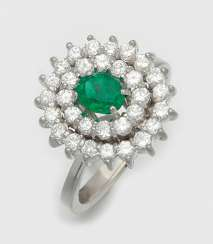 Fine Emerald Diamond Ring