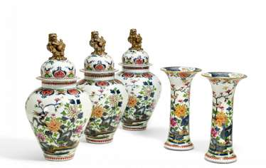 HIGHLY DECORATIVE FIVE-PIECE FIREPLACE VASES-SET
