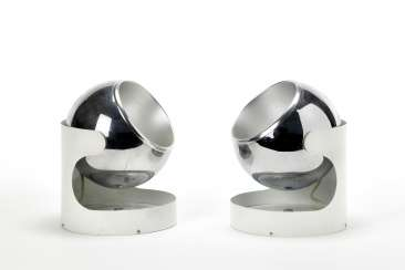 Pair of wall lamps with structure in white painted steel and globular diffuser in chromed and satin-finish steel