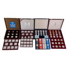 Issue Olympic coins - 4 caskets with Olympic coins