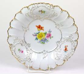 Meissen Ceremonial Plate *Flower Bouquet*