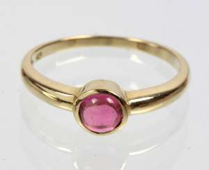 Ring with pink tourmaline - yellow gold 375
