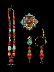 Two-drop earrings, necklace and Gau