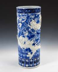 Cylindrical floor vase with dragon.