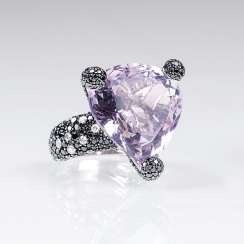 Cocktail ring with Amethyst and brilliant-trim
