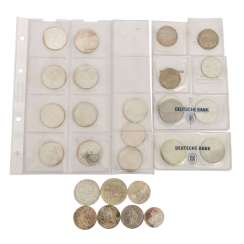 Small mixed lot of coins -