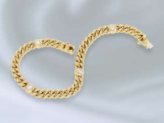 Bracelet: modern-crafted and very solid brilliant/Round curb bracelet made of 18K Gold, approximately 0.7 ct