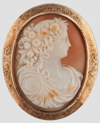 Brooch Cameo.Gold 56 samples