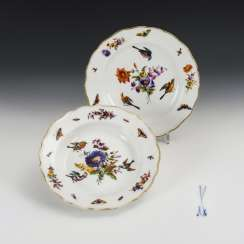 2 plates with bird and flower painting