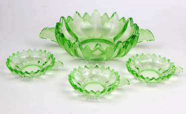 Art deco uranium glass set