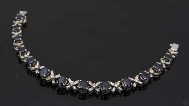 BRACELET WITH SAPPHIRES AND BRILLIANTS, white gold 750