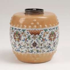 Tea caddy with flower tendrils