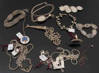 FINE SILVER JEWELRY COLLECTION