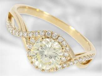 Ring: a valuable, white Golden gold wrought ring with a large diamond approx 1ct, high purity