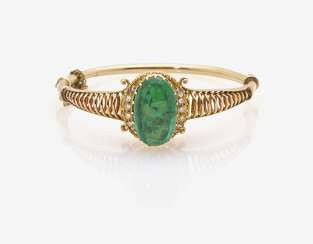 Bangle with emerald and diamonds