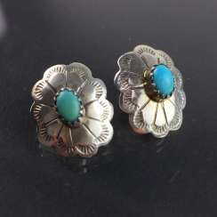 Beautiful stud earrings in form of flowers: 925 silver with turquoise, art Deco, art Nouveau, around 1900, very nice.