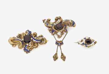 Three Biedermeier brooches with shells and enamel. Germany, around 1850