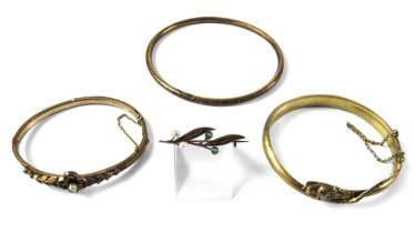 3 BANGLES & BROOCH, END of. 19. CENTURY, GOLD-PLATED