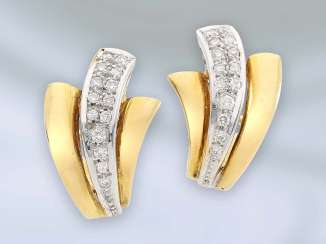 Earrings: hand forge crafted and decorative gold earrings with brilliant-cut diamonds, 18K Gold