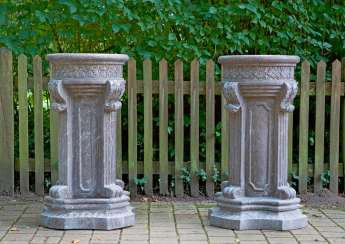 Pair of large pedestal in the pedestal in the Louis XVI style