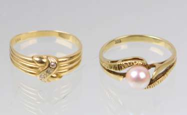2 Ladies Rings - Yellow Gold 333 / 585