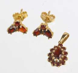 Garnet pendant and earrings - yellow gold 333/750