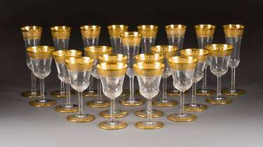 NINE CHAMPAGNE GLASSES AND TWELVE WINE GLASSES IN THE 'THISTLE GOLD'