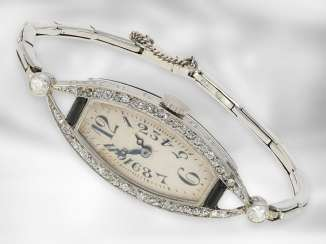 Watch: petite, attractive Art Deco platinum watch with old European cut diamonds, approx 0,68 ct, No. 2769, Switzerland, around 1925