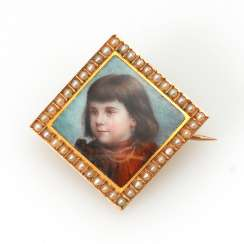 Miniature brooch with pearl 2.H.19. Century