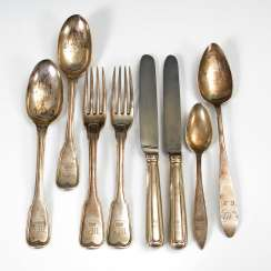 Mixed Lot Of 8 Pieces Of Cutlery, Silver.