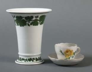 Mocha Cup with a Bottom and a trumpet vase Meissen