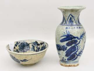 VASE AND BOWL, painted and glazed clay, partly marked, China, 19./20. Century