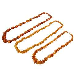 Mixed lot of 3 amber chains,