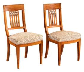 Pair of Biedermeier chairs with Gothic-looking sprouting