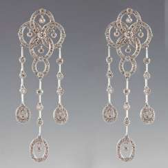 Pendant earrings in white gold with diamonds