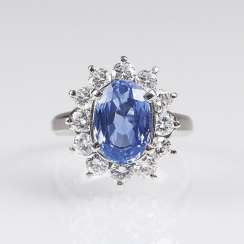 Natural sapphire Ring with brilliant-trim