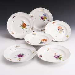 6 plates with flower painting