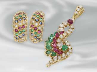Earrings/pendant: attractive set of jewellery from earrings and pendants with rich, brilliant color and stone trim, 18K Gold