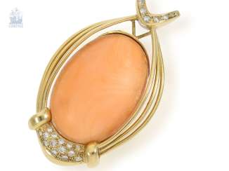 Trailer: a very rare, high-quality and unusual vintage gold wrought pendant with an extremely large coral cabochon and brilliant trim, handmade, 18K Gold