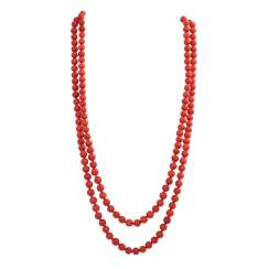 Long necklace made of Coral beads, D: approx. 8 mm,