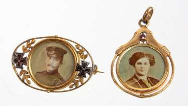 Art Nouveau photo pendant & brooch circa 1910/15