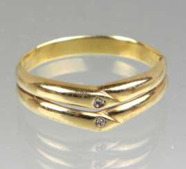 Ring with diamonds - yellow gold 333