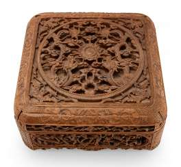 Cover can with in breakthrough carved dragon decoration made of wood