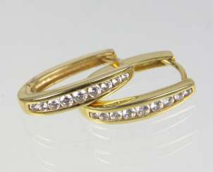 Hoop earrings with cubic Zirconia - yellow gold 375