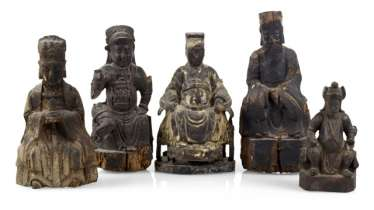 GROUP OF FIVE WOODEN FIGURES,