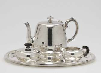 Teapot, creamer, sugar bowl and oval tray London 1851/1852 (Kanne) or German